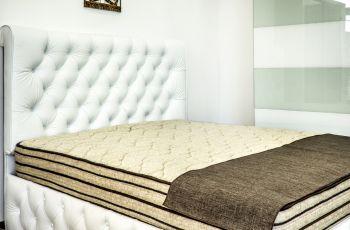 Спален комплект Sweet dreams - Материал : МДФ + еко кожа; Спалня: 164/190 см. с повдигащ механизъм; Гардероб:205/214/60 см.; Матрак: Stepin2Nature 164/190 см.; ТВОЯТА ЗДРАВОСЛОВНА СРЕДА ЗА СЪН!; Подматрачна рамка: 164/190 см.; Възглавница: Антибактериална възглавница: 58/27/12 см. Stepin2Nature